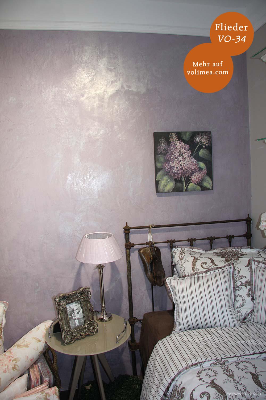 Mikrozement fugenlose Volimea Wandbeschichtung im Schlafzimmer - Flieder VO-34 mit Patinierung